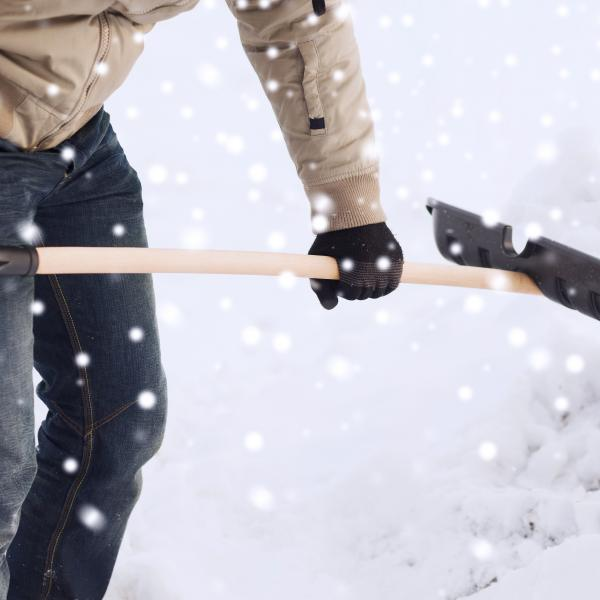 Avoid Injuries while Shoveling Snow